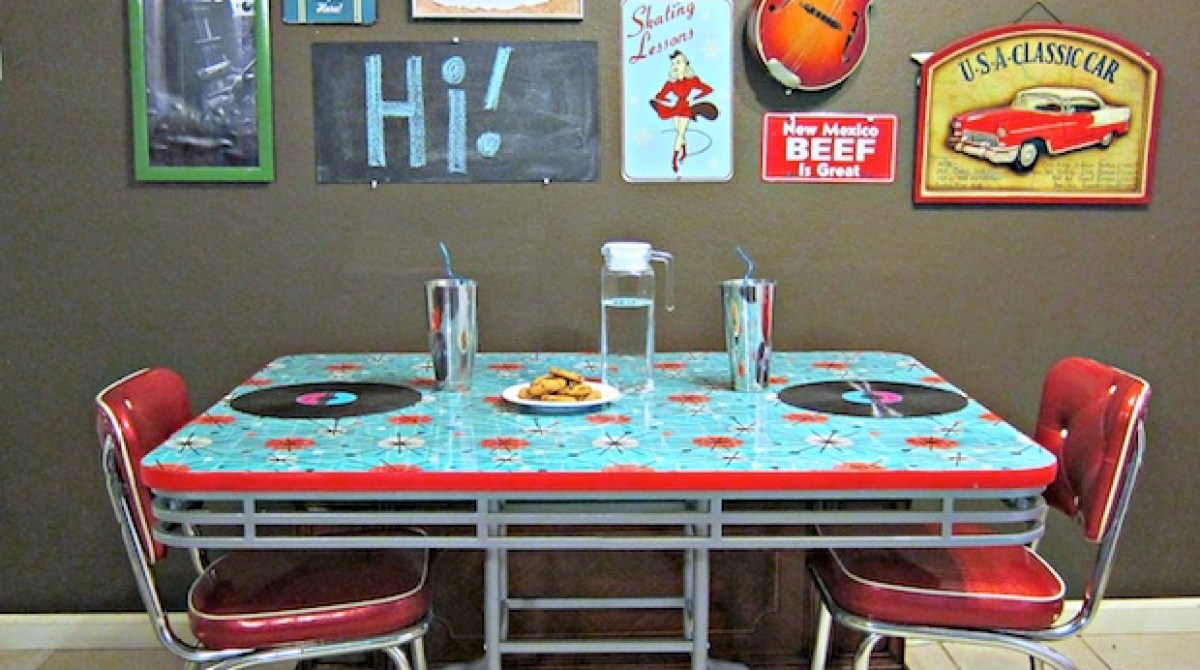 How-To: Fabric and Resin Table Refashion