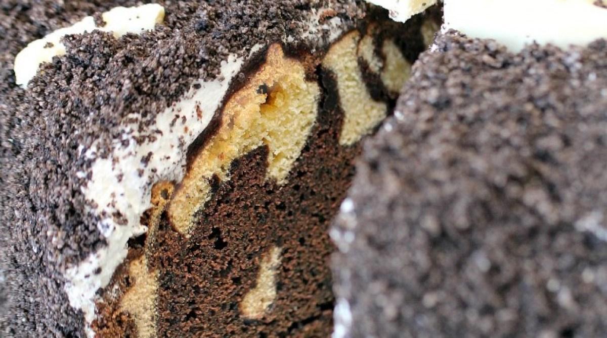 Cookies n' Cream Fossil Cake