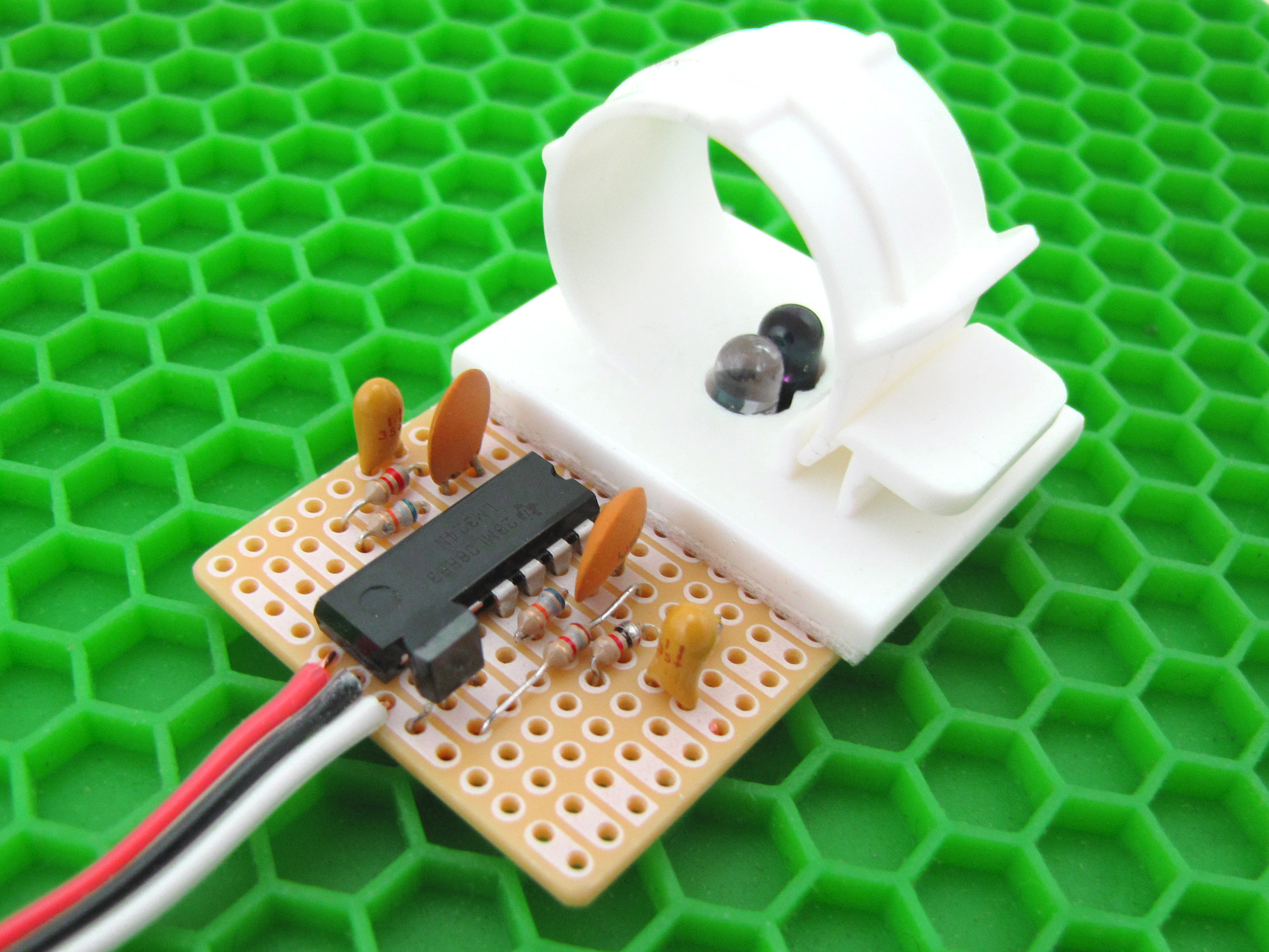 Easily Take A Pulse With Infrared Sensor Make Voltage Electronic Snap Circuits Wiki