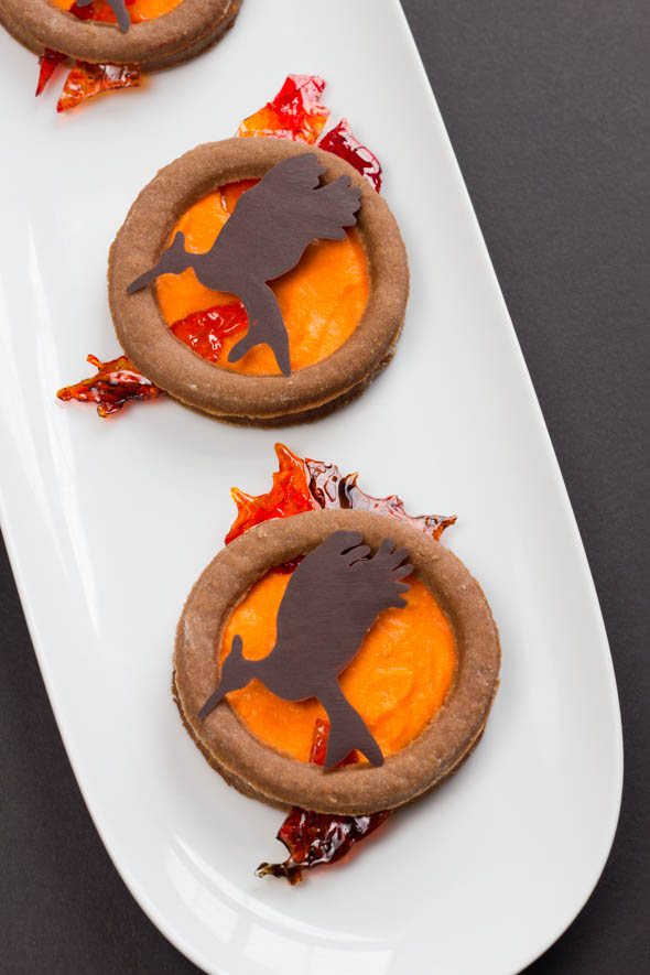 Recipe: Hunger Games-Inspired Catching Fire Cookies