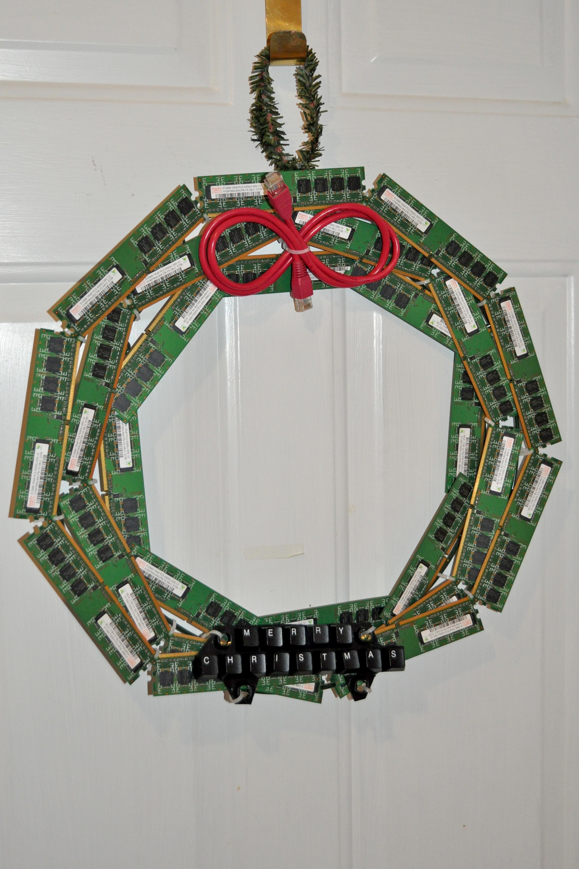 Upcycled-Computer Christmas Wreath | Make: