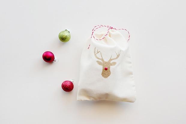 How-To: DIY Reindeer Gift Bags