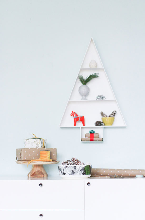 Decorate: Wooden Holiday Tree Display Shelf
