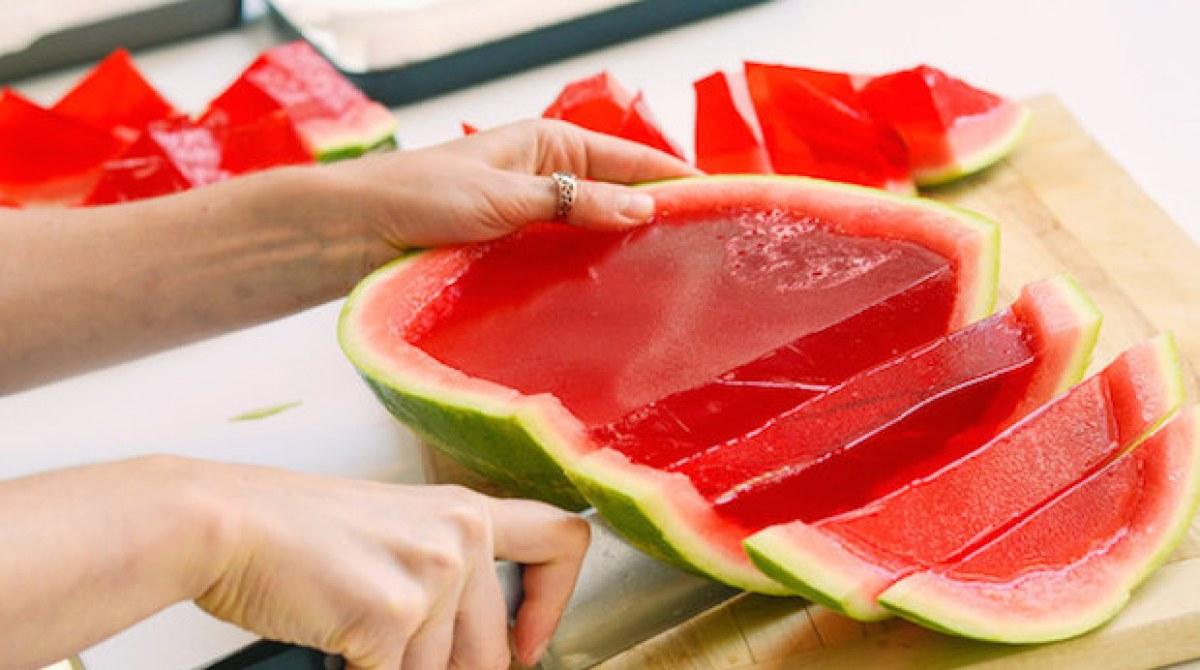Recipe: Full Watermelon Jell-O Shots