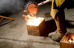 puring aluminum, melting away the foam
