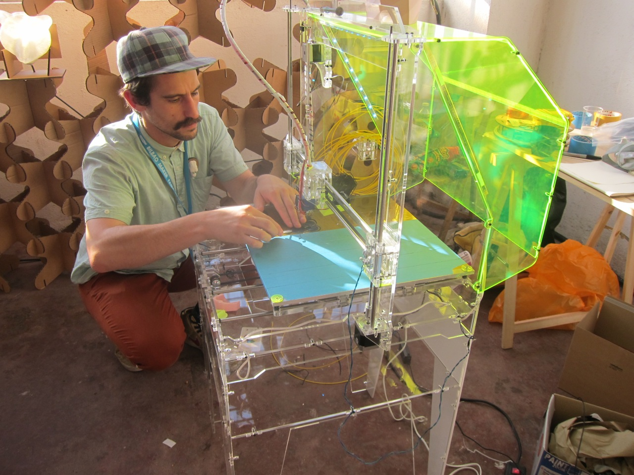 Open Shoes, Open Robots, Open Health:  Bilbao Mini Maker Faire 2014