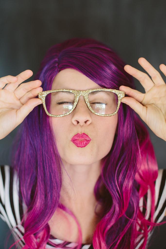 DIY Gold Glitter Glasses
