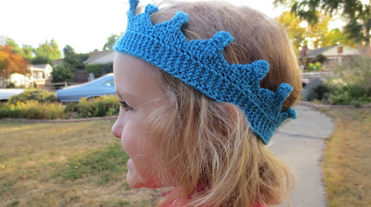 Royal Bobble Crown Knitting Pattern