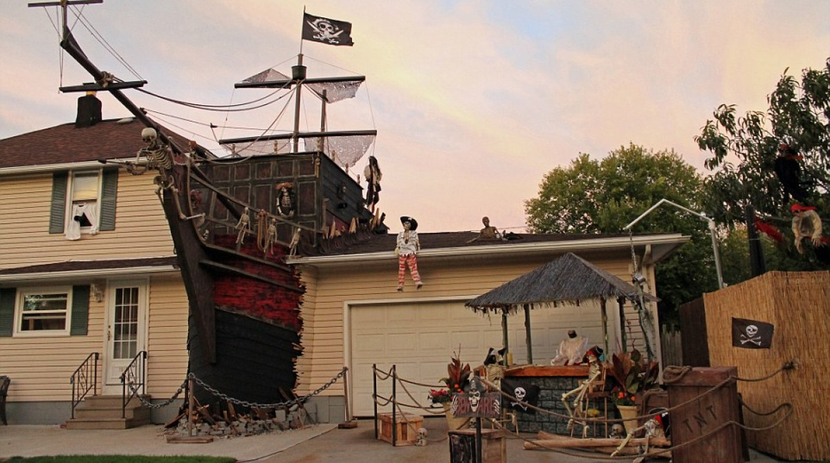 Halloween Pirate Shipwreck Yard Display Make