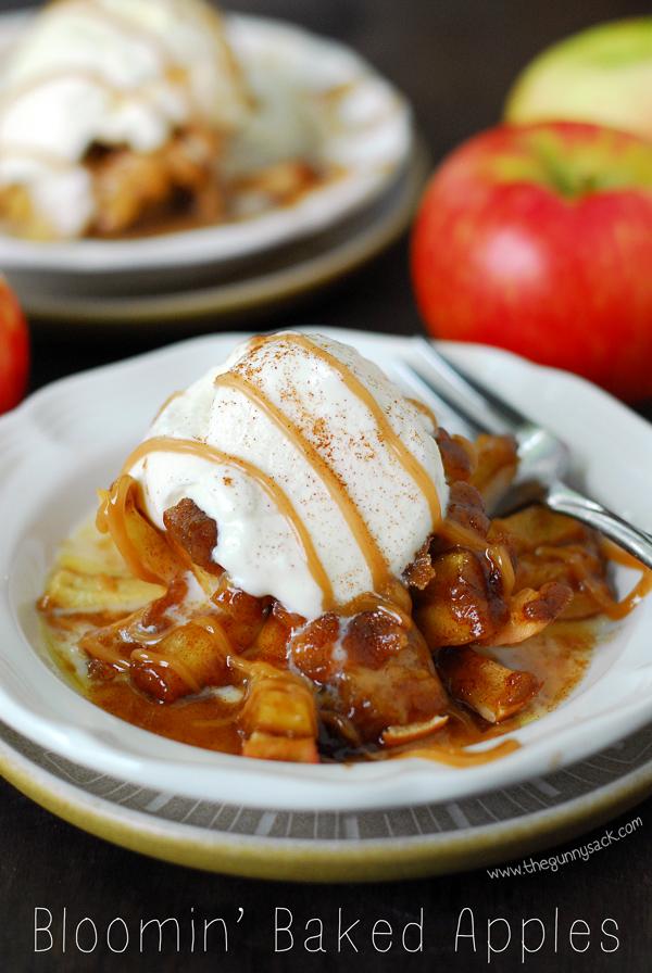 Recipe: Bloomin' Baked Caramel Apples