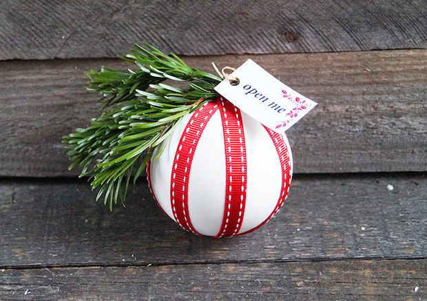How-To: Gift Card Bauble