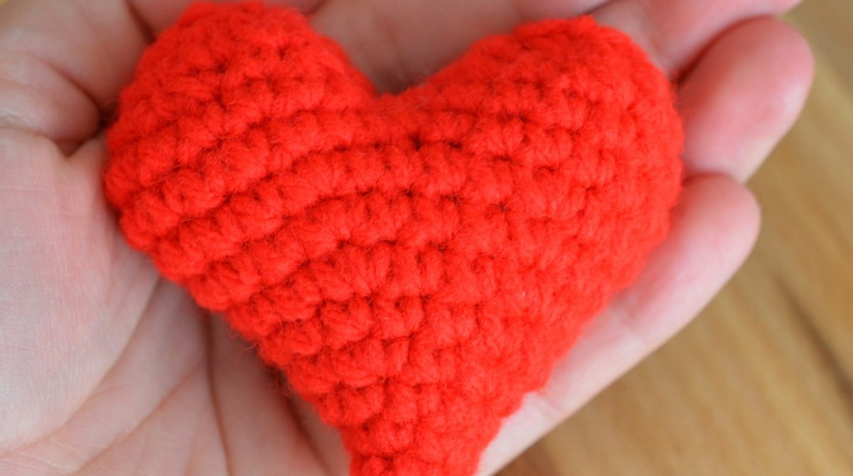 DIY Crocheted Plushie Heart