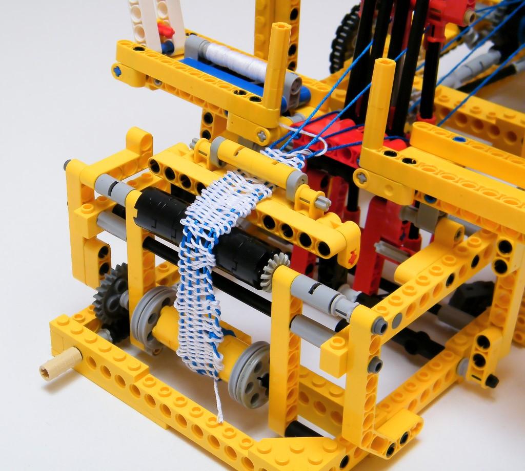 Fantastically Functional Lego Mechanical Loom