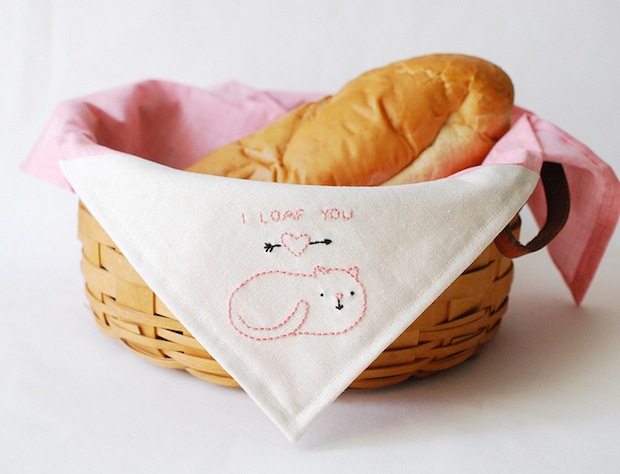 Embroidered Awesomeness: Cat Loaf Bread Cloth