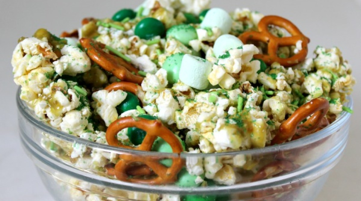 St. Patrick's Day Party Snack: Leprechaun Crunch