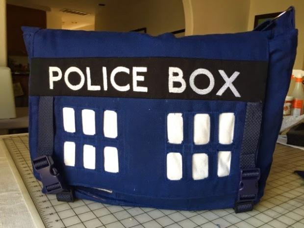 TARDIS-Messenger-bag-1