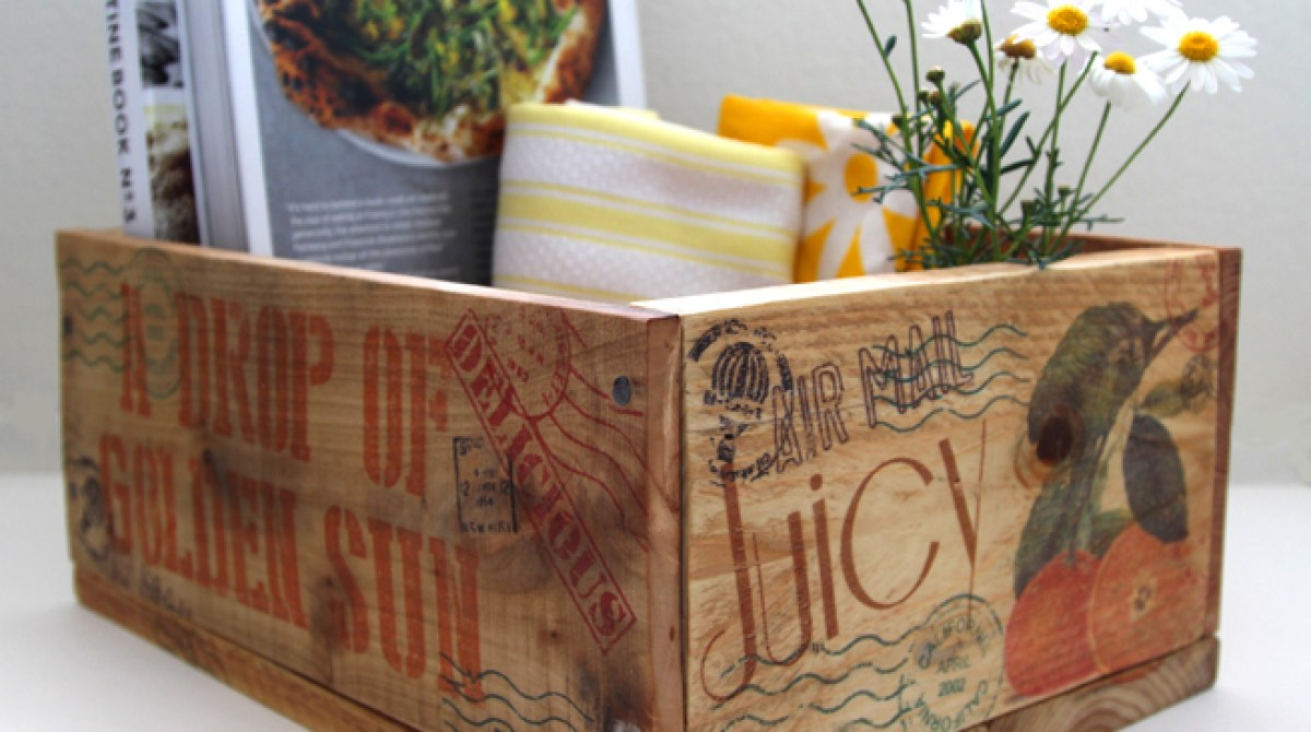 Pallet Hacks: Make a Vintage Fruit Crate with Wax Paper Transfers
