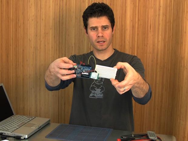 PIR Sensor Arduino Alarm Build a motion-sensing alarm with a PIR sensor and an Arduino microcontroller.