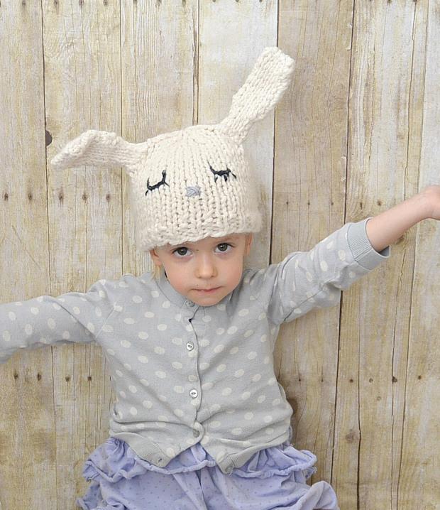 mamainastitch_knit_bunny_hat_01