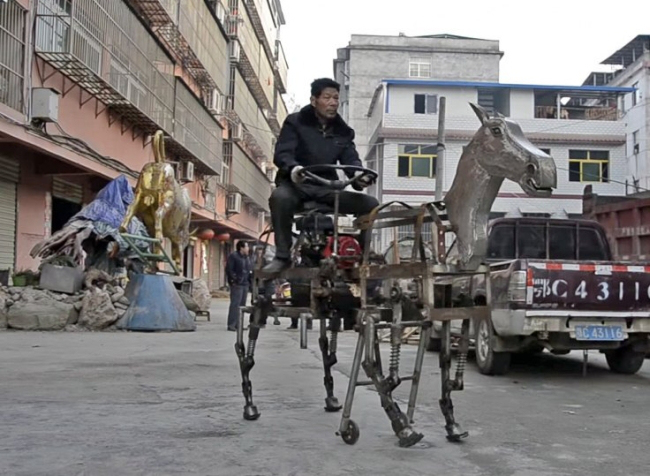 Things You Only See In Asia - Page 6 Petrol-powered-robot-horse-by-su-daocheng