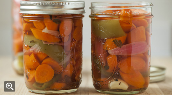 Make Spicy Taqueria-Style Pickled Carrots at Home