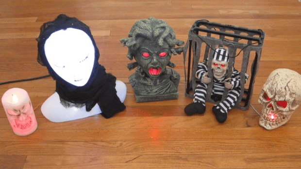 Arduino-Controlled Halloween Props Build a system that lets you control all of your animated Halloween props with a single Arduino.