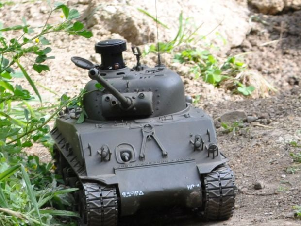 RC tanks roll into Maker Faire.