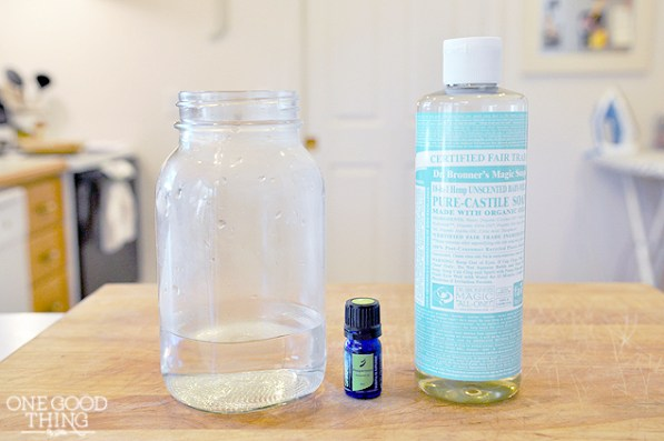 Smart Scrubbing: Reusable Peppermint Cleaning Wipes