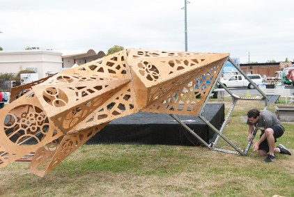 Setting up large-scale artworks on Friday@Maker Faire.