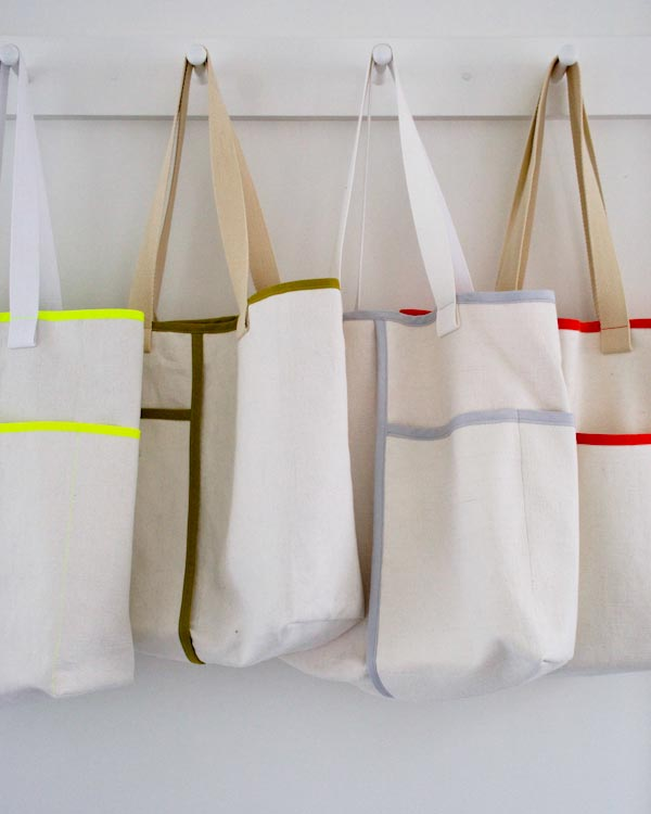 Summer Necessities: Wrap Pocket Tote with Colorful Contrast Edging