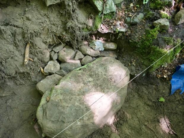Build a Mortarless Stone Retaining Wall