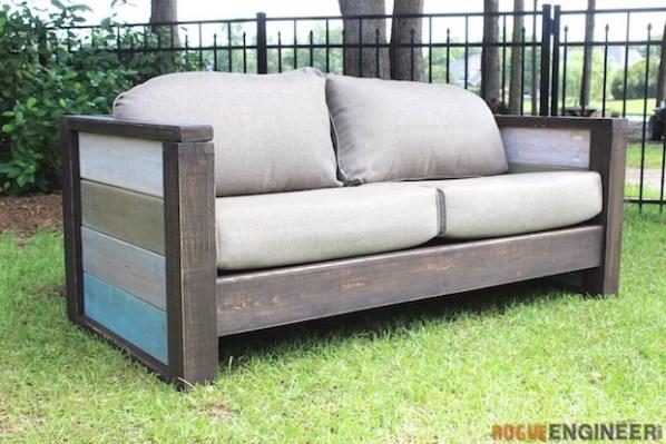 Backyard Builds: Wood Plank Loveseat