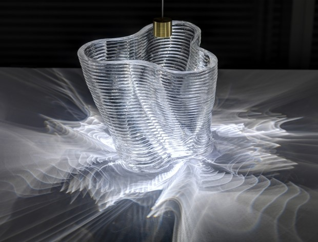 3D Printed Glass Vase Showing Illumination Paterns