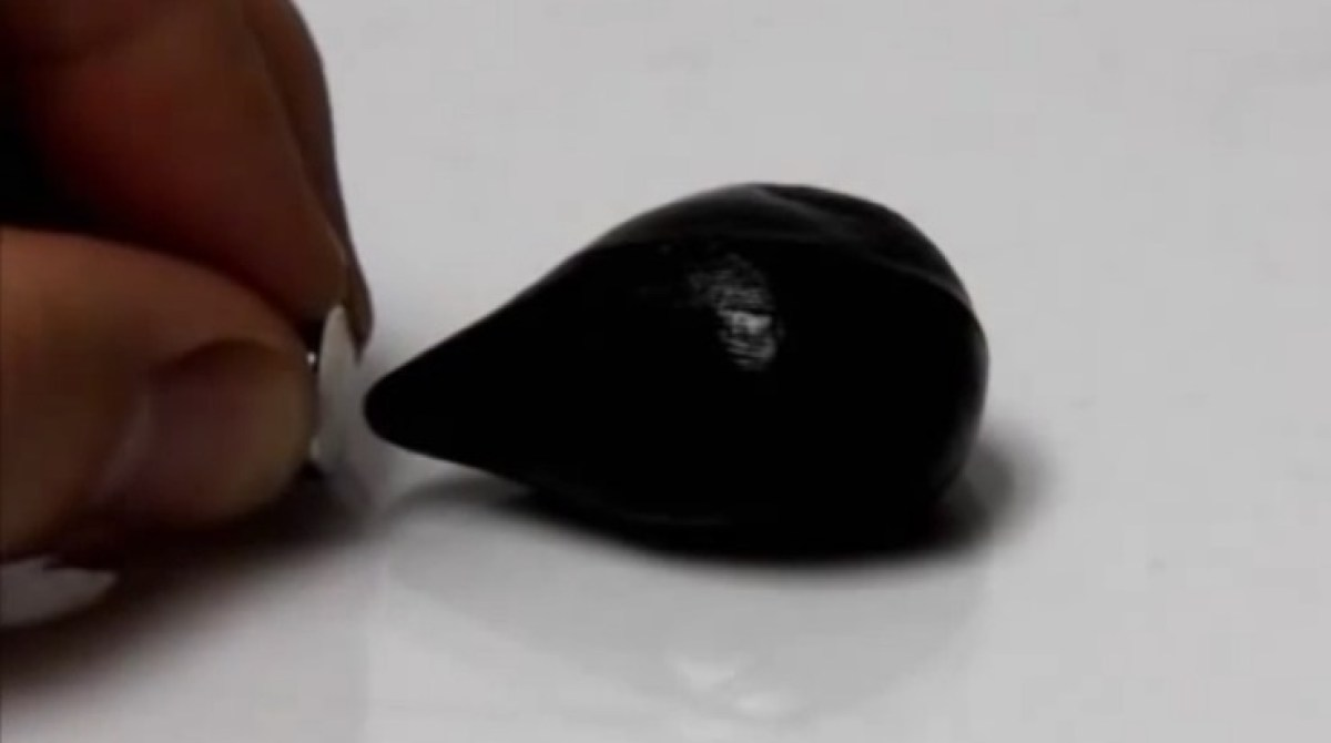 Magnetic Putty is Easy to Make and Fun to Play With