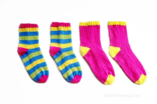 Super-Easy Socks That You Knit Flat