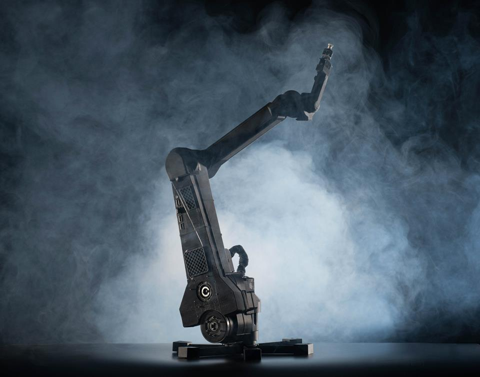 ,000 Robot Arm Kit Offers Trainability, Ultra High Precision