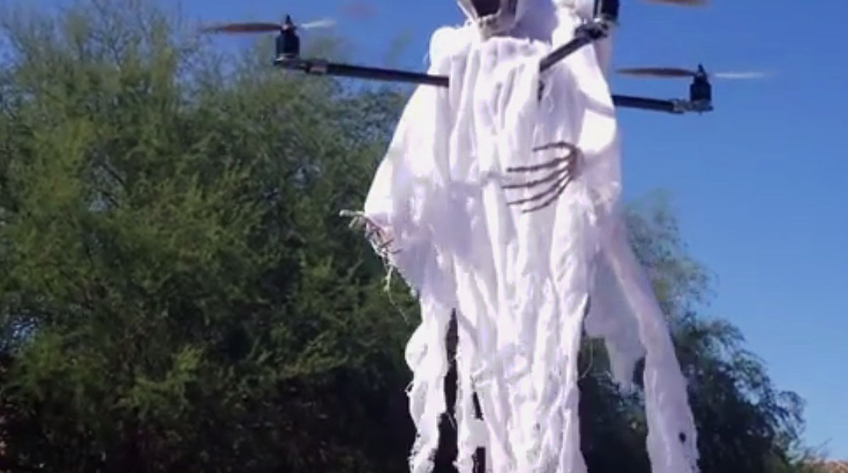 82a8175b8c25 Freak Out Your Friends with These 6 Spooky Drone Mods