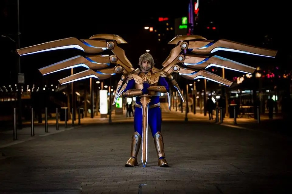 Check Out the Massive, Motorized Wings on This League of Legends Cosplay