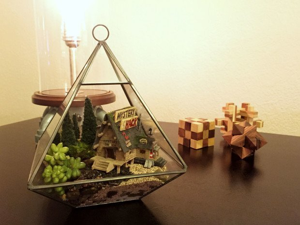 The finished diorama / terrarium.