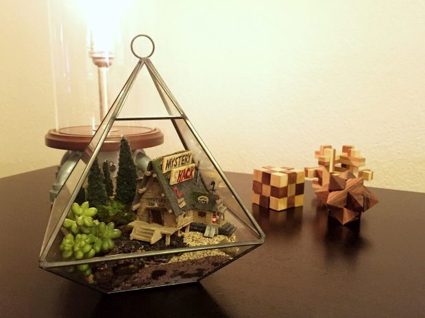 The finished diorama / terrarium.