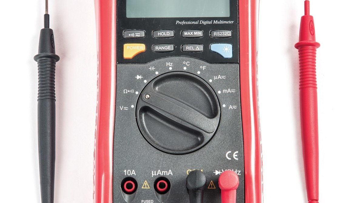 Multimeter Basics Measuring Voltage Resistance And Current Make Electronic Multimeters Article Featured Image
