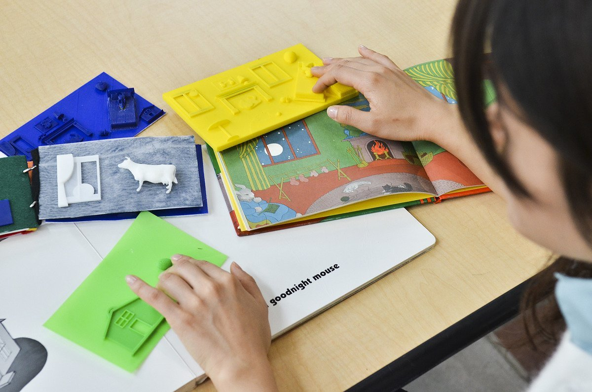 Customize and Print 3D Picture Books for Visually Impaired Kids ...