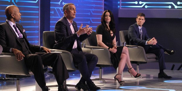 """Sports legend and entrepreneur Kenny Smith (from left), Intel CEO Brian Krzanich, financial expert Carol Roth and co-host of truTV's """"Hack My Life"""" Kevin Pereira are shown on the set of the first episode of """"America's Greatest Makers."""" The show -- a collaboration between Intel, Mark Burnett (""""Shark Tank,"""" """"Survivor"""") and Turner -- will premiere on TBS on Tuesday, April 5, 2016, with the presentation of the first 12 of 24 inventors who compete for the $1million grand prize. (Credit: Tommy Baynard)"""