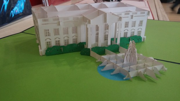 White House and lawn with fountain. Photo by Andrew Terranova