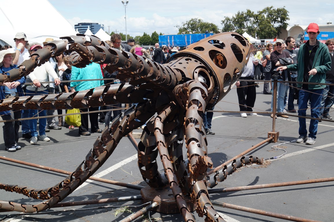 Good Lord This Gyrating Giant Mechanical Squid Is Gorgeous