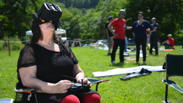 Handidrone-FPV-for-Disabled-People-Adapt