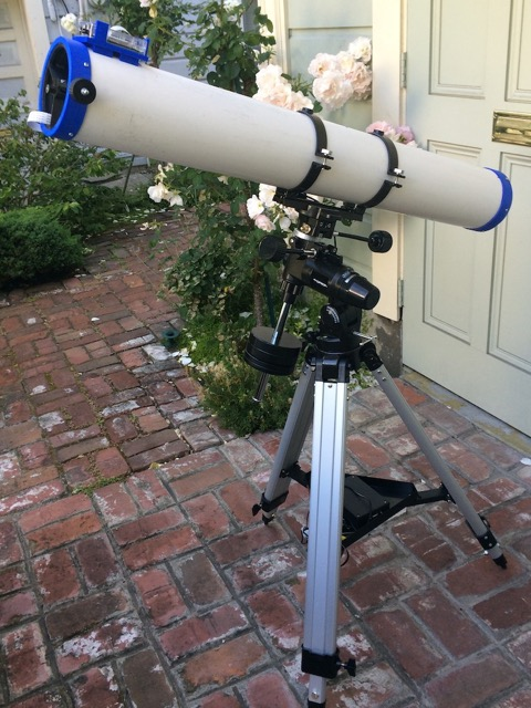 Scott Miller's PiKon telescope is controlled by his iPad.