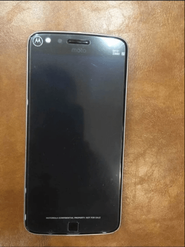 The Moto Z Play (spy shot) is reported to have a Qualcomm Snapdragon 625 SoC, 5.5-inch FHD AMOLED display, 3 GB of RAM and up to 64 GB of storage.