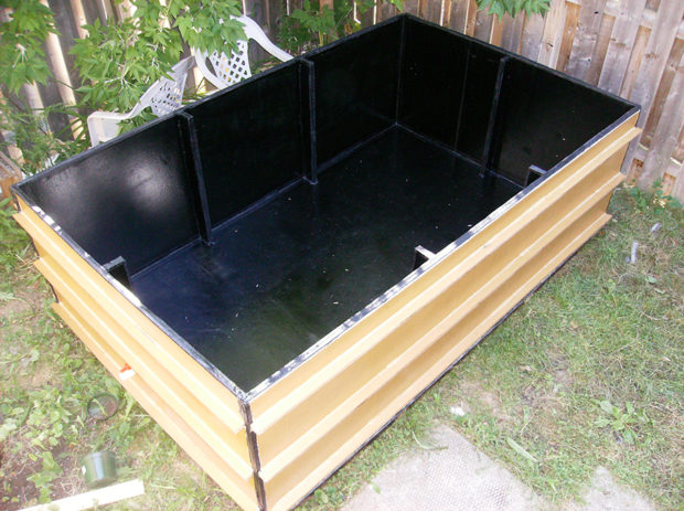 Cooling Off in a Cardboard Swimming Pool | Make: