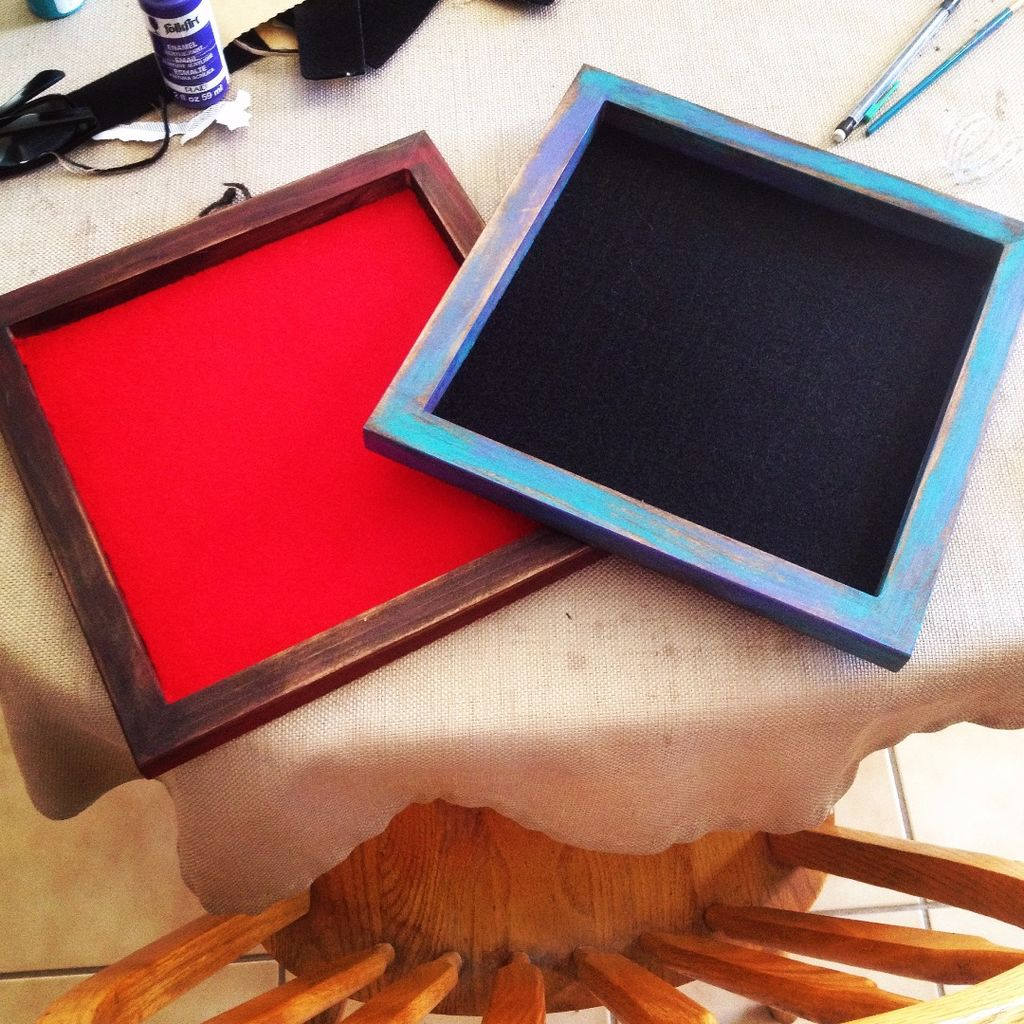 Making a Quick and Easy Dice Tray for Your Gaming Table